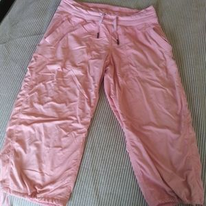 Lululemon capri pink joggers